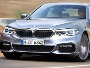 '불꽃 튀는' 고급 중형세단 시장…BMW·벤츠·현대차 '진검승부'