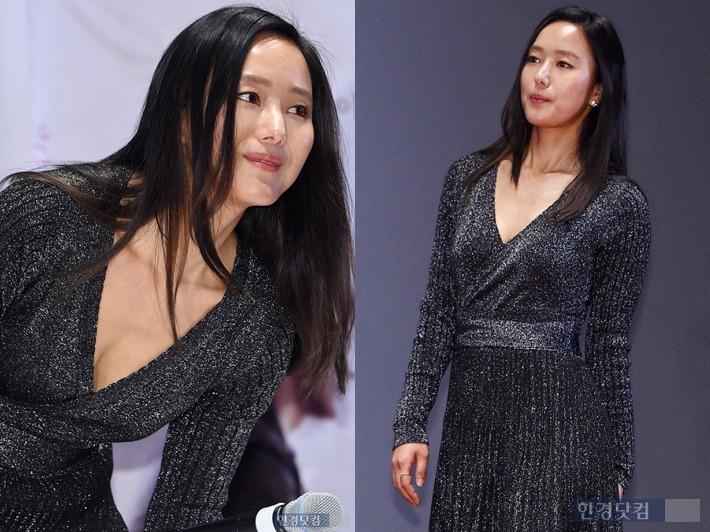 윤진서, 가슴 깊게 파인 'V라인 드레스'