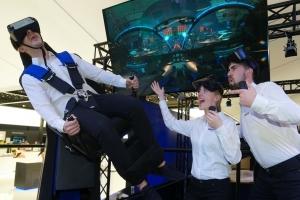 """[MWC2017] 삼성전자 """"기어 VR로 가상현실 체험을"""""""