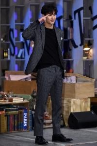 김지석, '8등신 뇌섹남'