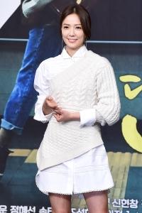 손태영, '미소만 지어도 아름다워~'