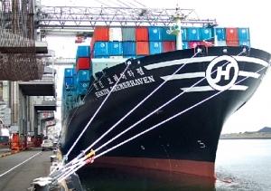 파산 앞둔 한진해운 모항…북적이던 선박 대신 '한숨'