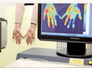 손발 찬 수족냉증…일상생활 힘들면 말초혈관질환 의심하세요