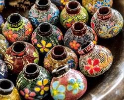 토기마을 바뉴물렉에서 만든 전통 질그릇.