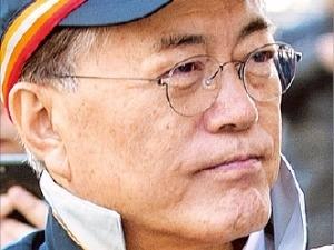 문재인-안희정, '선의·분노' 설전…그 뒤엔 '적폐청산 vs 국민통합' 싸움