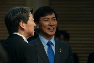 [대선주자 지지율] '선한 의지' 안희정 19.2% 주춤  · '4차산업혁명' 안철수 10.5% 도약