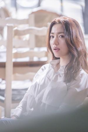 류화영, '청춘시대2' 확정에도 기뻐할 수 없는 이유