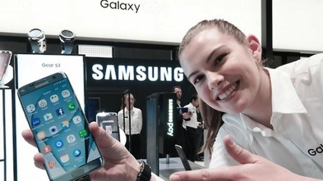 삼성전자 '갤럭시S7 엣지'는 스페인 바르셀로나에서 개최된 MWC 2017에서 세계이동통신사업자협회(GSMA)가 주는 '최고의 스마트폰' 상을 수상했다.