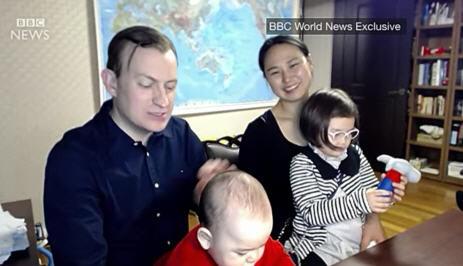 로버트 켈리 BBC 뉴스 방송사고 화면 캡쳐