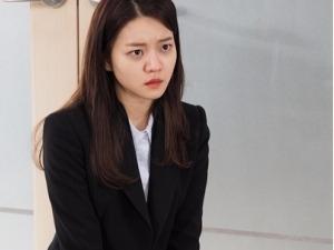 '자체발광 오피스' 고아성, 장도연 앞 무릎 꿇어…왜?