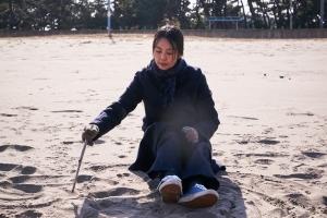 [HEI:스케치]'밤의 해변에서 혼자', 영화 같은 불륜을 본 관객 전 상서