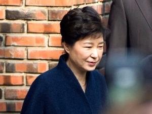 박근혜-최순실 한 법정 설까…재판 병합 가능성