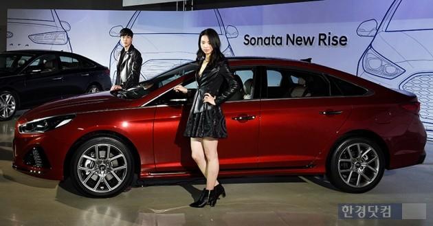 현대자동차가 8일 오전 서울 동대문디자인플라자(DDP)에서 LF 쏘나타 페이스리프트 모델인 '쏘나타 뉴 라이즈' 출시기념 행사를 가졌다./최혁 한경닷컴 기자 chokob@hankyung.com