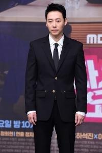 김동욱, '부드러운 모습에 눈길~'
