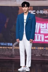 이호원, '배우의 모습으로 멋진 변신'