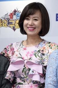 박미선, '꽃무늬 의상 입고 화사하게~'