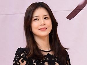 """'3년만의 복귀' 이보영, '여신 몸매' 비결은 """"매일 운동"""""""