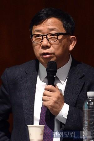 31일 일본경제포럼에서 강연하는 이원덕 국민대 교수. / 사진=최혁 기자