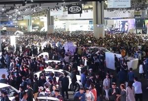 [시선+]2017 서울모터쇼, 절반의 성공…풀어야 할 과제는?