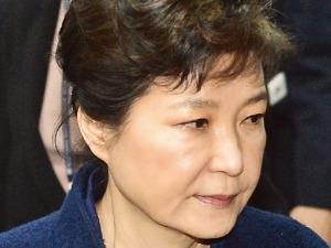 """검찰 """"박근혜 전 대통령 17일 기소 유력…오늘 마지막 조사"""""""