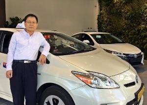 """도요타 프리우스 택시 모는 임병호씨 """"마지막 차…꿈을 이뤘죠"""""""