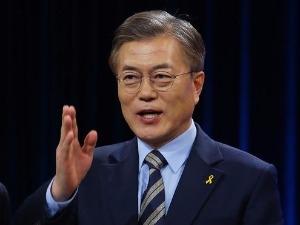 """문재인 측 """"생산적 토론 이끌기 위해 노력했다"""" TV토론 자체 평가"""