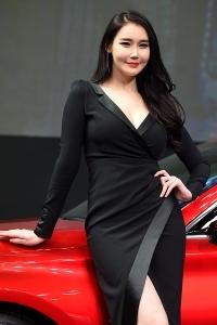이효영, '빠져들 듯 매력적인 미소~' (2017 서울모터쇼)