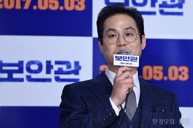 '보안관' 김성균