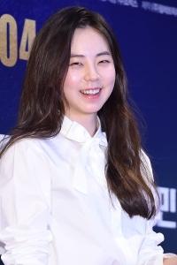 안소희, '애교 가득한 눈웃음~'