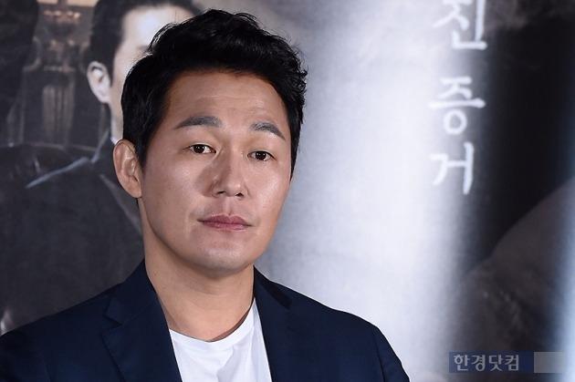 '석조저택 살인사건' 박성웅