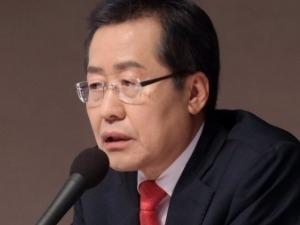 홍준표 '돼지흥분제 논란' 일파만파…사퇴 요구 잇달아