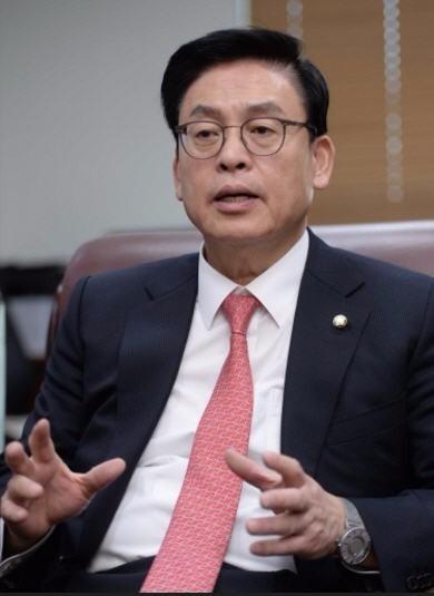 정우택 자유한국당 대표 권한대행 겸 원내대표. 한경DB
