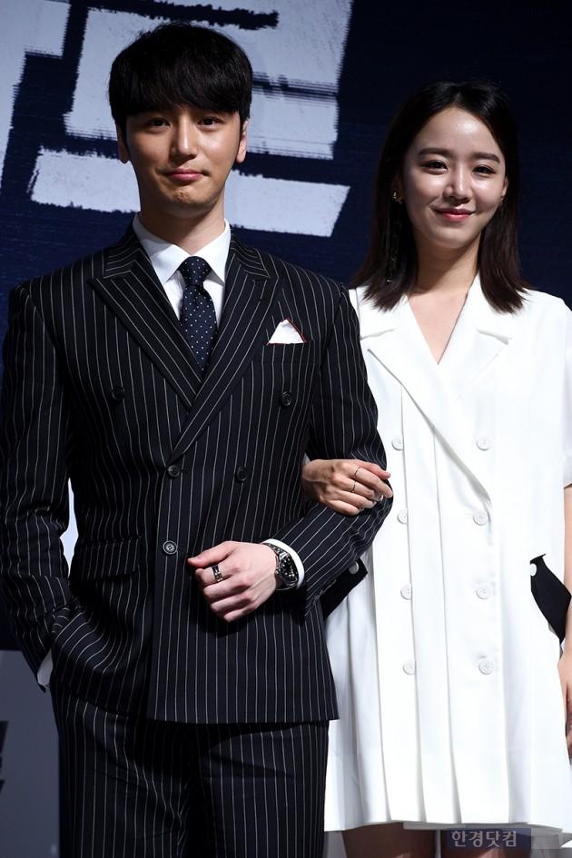 배우 변요한, 신혜선 / 사진=최혁 기자