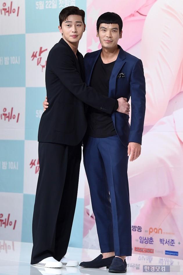 배우 박서준(왼쪽), 김성오 / 사진=변성현 기자