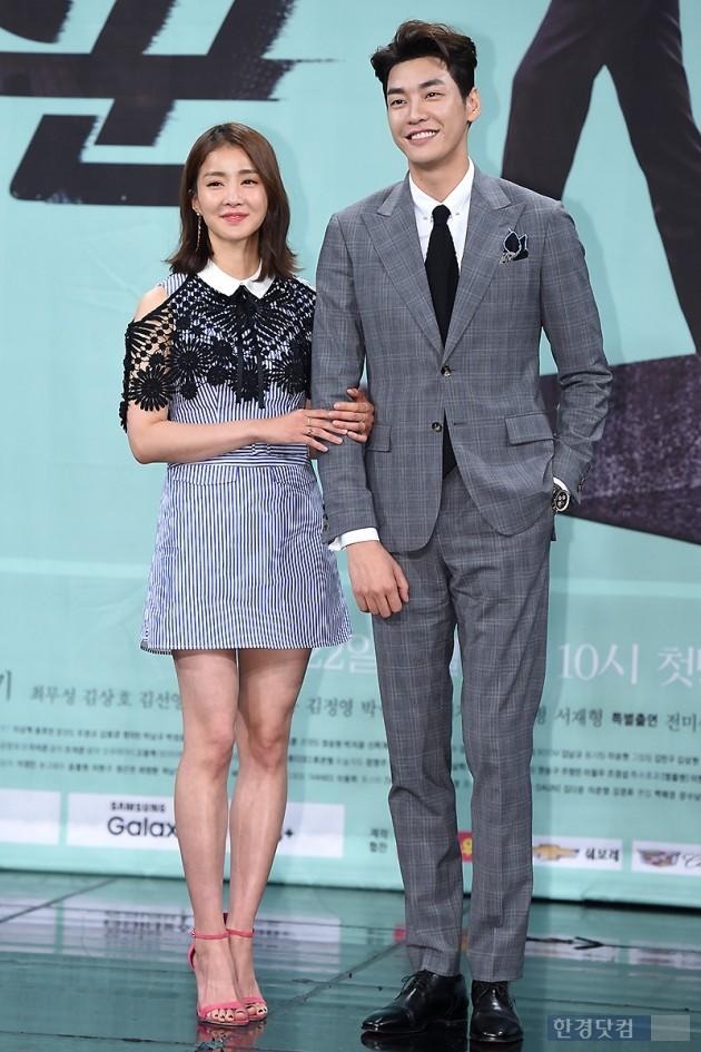 배우 이시영(왼쪽), 김영광 / 사진=변성현 기자