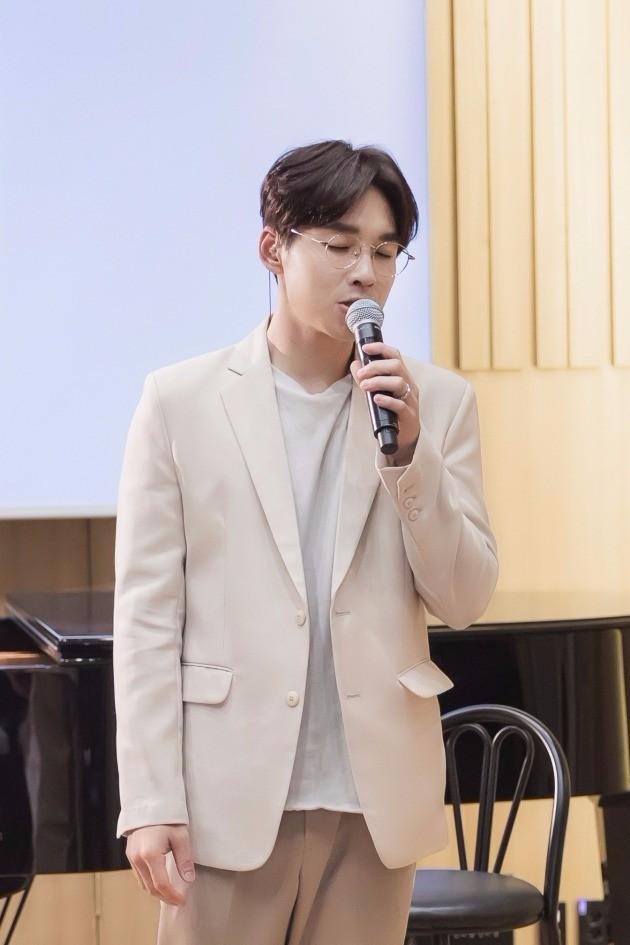 이석훈의 세 번째 미니앨범 'you&yours(유 앤 유얼스)' 음감회 / CJ E&M(CJ E&M MUSIC), B2M 제공