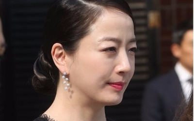 노현정, 시스루로 완성한 재벌가 며느리룩…정몽준 장녀 정남이 결혼식 참석