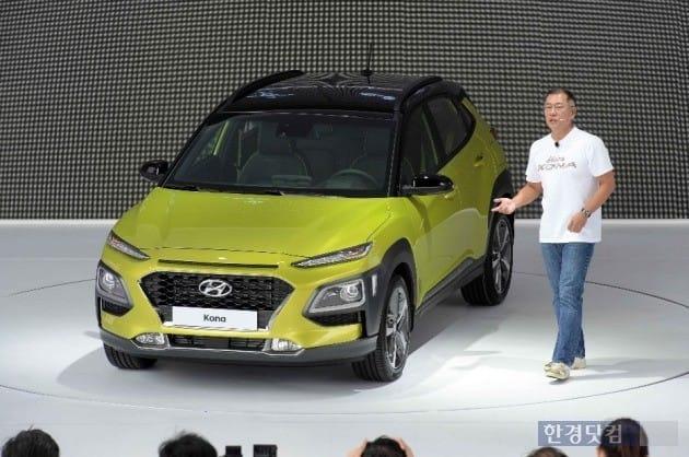 정의선 현대자동차 부회장이 지난 13일 신차 발표회에 참석해 '코나'를 소개하고 있는 모습. (사진=현대차)