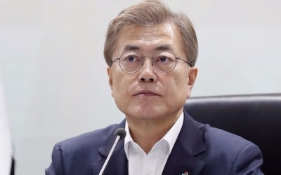 문재인 정부 첫 추경안, 역대 최장 지연…여야 공방 가열