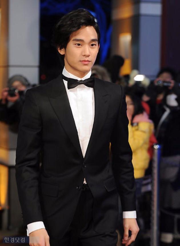 2010년 SBS 연기대상 레드카펫을 밟은 김수현. /사진=한경DB