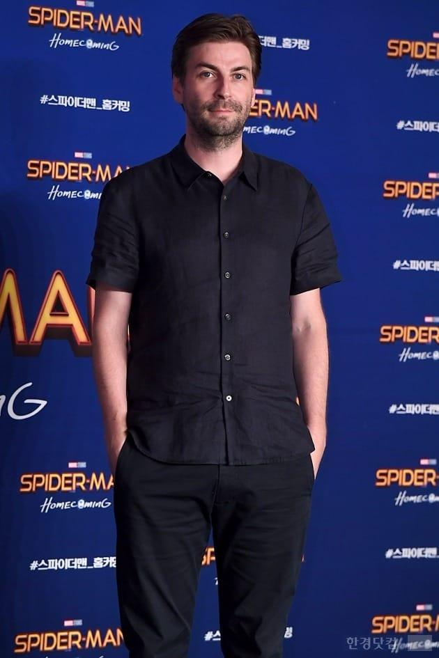 '스파이더맨 : 홈커밍' 존 왓츠 감독, 전작 부담감 떨치게 한 신예 톰 홀랜드