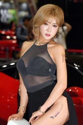 레이싱모델 허윤미, '파격 시스루 자태'(서울오토살롱)