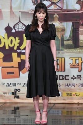 강예원, '블랙 원피스 입고 우아하게~'