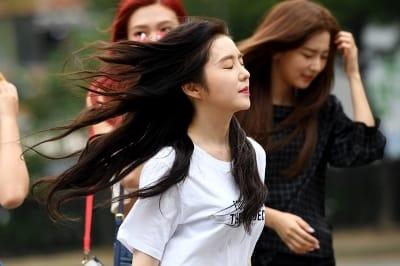 레드벨벳 아이린, '바람이 너무해~'