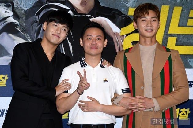 영화 청년경찰 김주환 감독(가운데), 배우 강하늘, 박서준 / 사진=최혁 기자