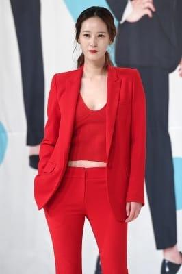 이영진, '강렬한 레드~'