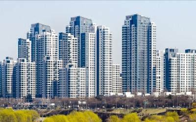 새 아파트 전성시대…10년 넘은 집 18% 오를 때 새 아파트 37% 뛰었다