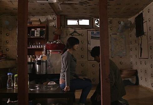 김기덕 감독의 영화 '뫼비우스'의 한 장면