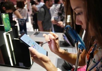 삼성전자, 갤노트8 공개에도 주가 미지근…부품주 선방하는 이유는?
