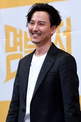 김남길, '부드러운 카리스마 미소'